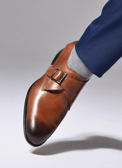 Chaussure à boucle Marvin&Co Newbattle Marron vue bas / vue portée sac