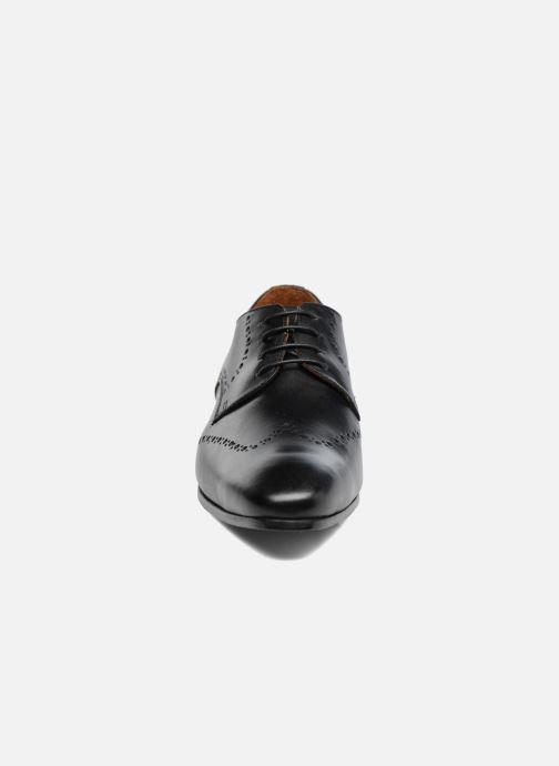 Scarpe con lacci Marvin&Co Nottage Nero modello indossato