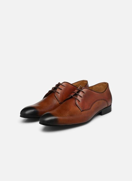 Schnürschuhe Marvin&Co Northam braun ansicht von unten / tasche getragen