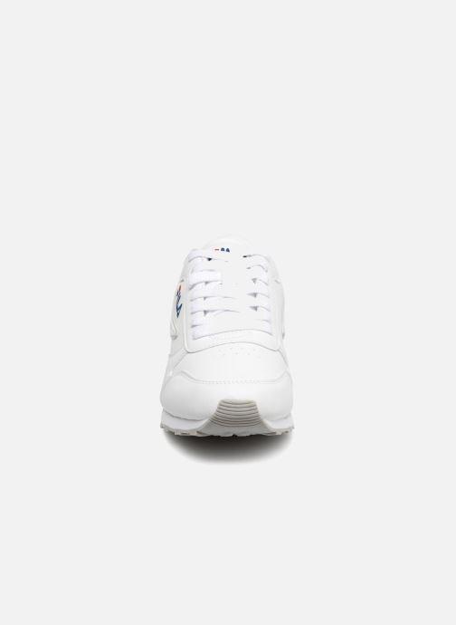 Baskets FILA Orbit Low M Blanc vue portées chaussures