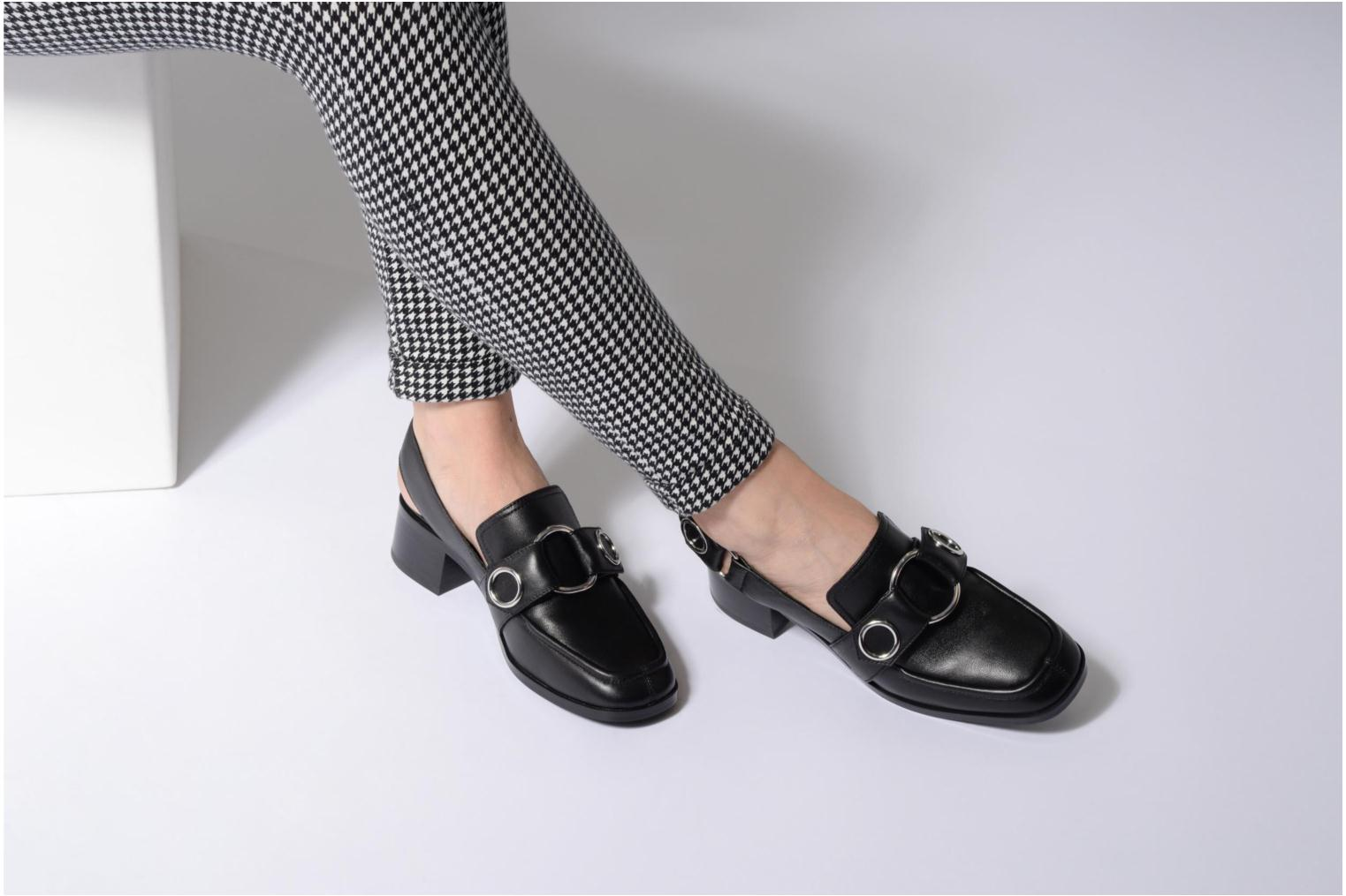 Loafers SENSO Effie I Black view from underneath / model view