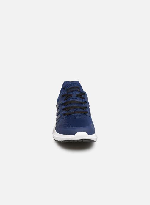 Chaussures de sport adidas performance Galaxy 4 M Bleu vue portées chaussures