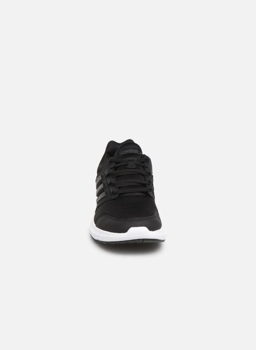 Chaussures de sport adidas performance Galaxy 4 M Noir vue portées chaussures