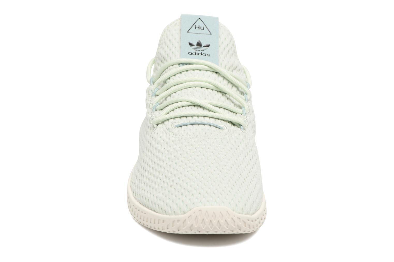 Baskets Adidas Originals Pharrell Williams Tennis Hu Bleu vue portées chaussures