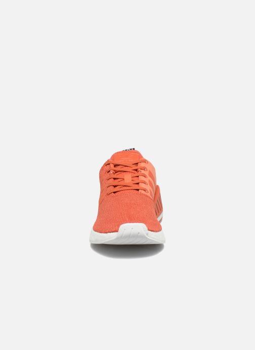 Sneakers Adidas Originals Nmd_R2 Rosso modello indossato