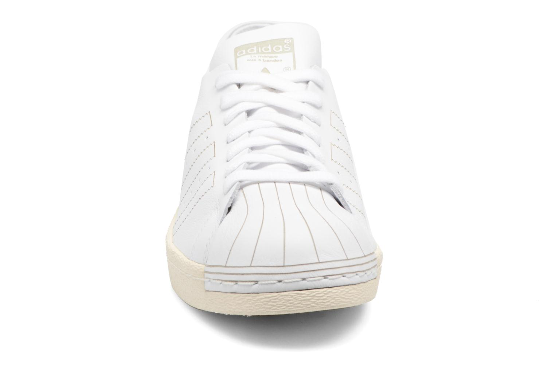 Baskets Adidas Originals Superstar 80S Decon Blanc vue portées chaussures