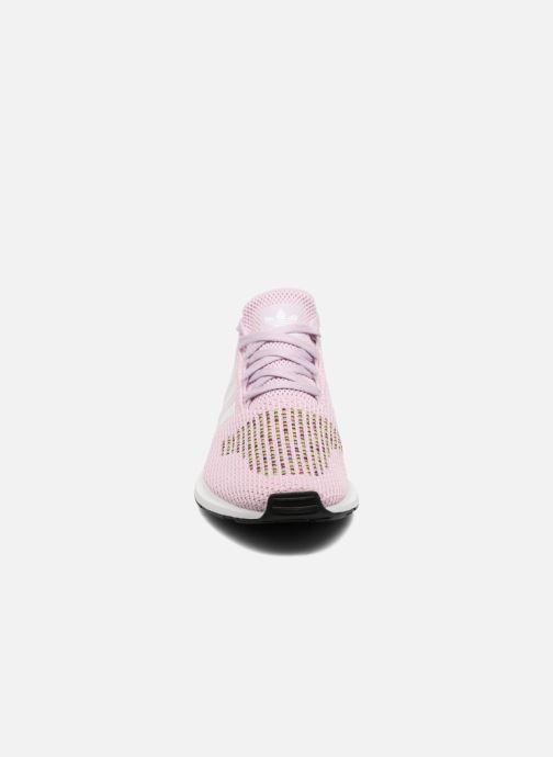 Baskets adidas originals Swift Run W Rose vue portées chaussures
