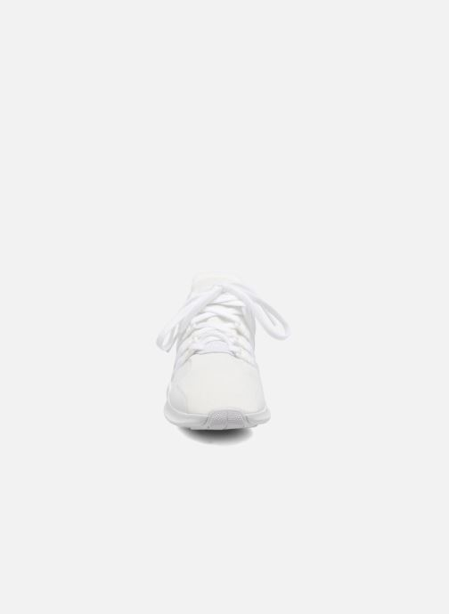 Deportivas adidas originals Eqt Support Adv2 Blanco vista del modelo