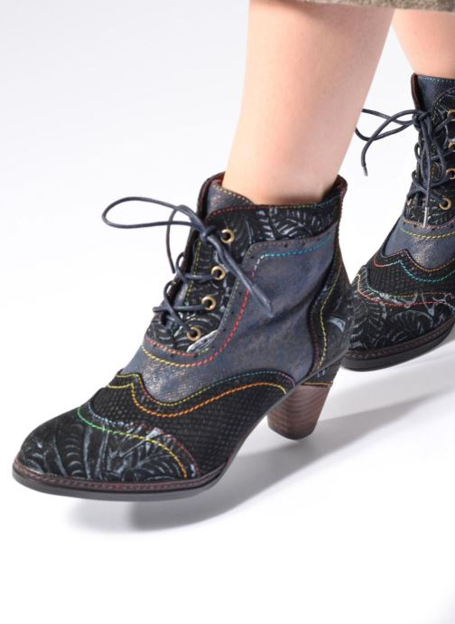 Ankle boots Laura Vita Alizee 30 Burgundy view from underneath / model view