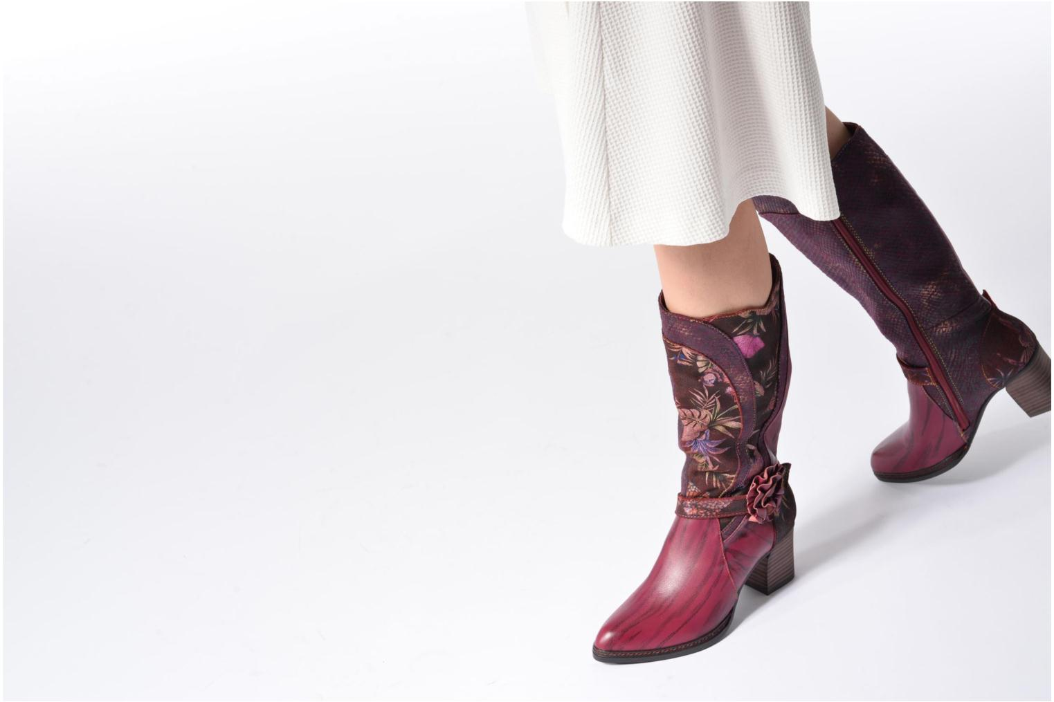 Boots & wellies Laura Vita Celia 02 Burgundy view from underneath / model view