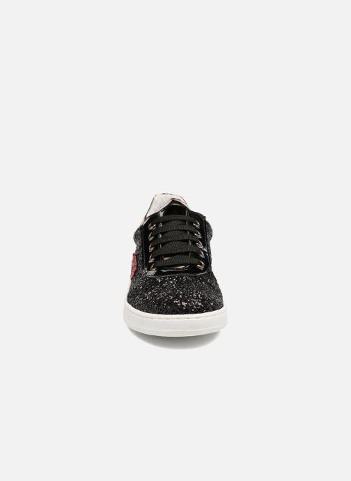 Sneakers Yep Electre Nero modello indossato