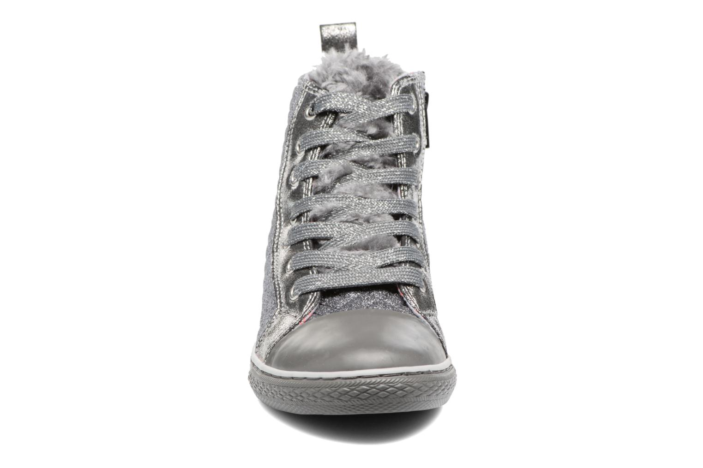 Baskets Primigi Rachele Gris vue portées chaussures