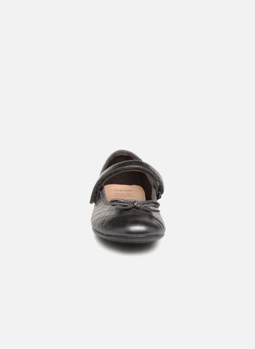 Ballerines Geox J Plie' D J5455D Gris vue portées chaussures