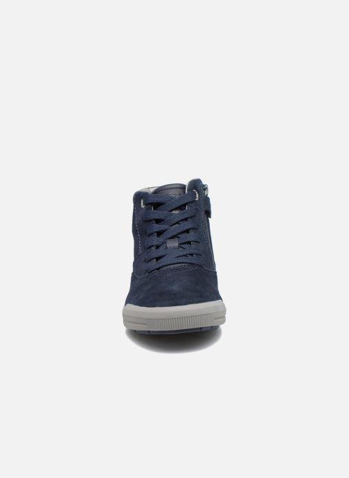 Sneakers Geox J Arzach B. H  J744AH Azzurro modello indossato