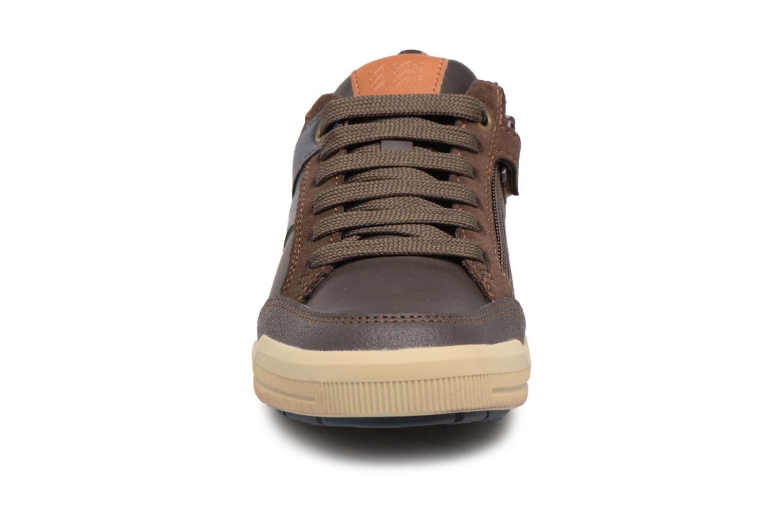Sneaker Geox J Arzach B. I  J744AI braun schuhe getragen