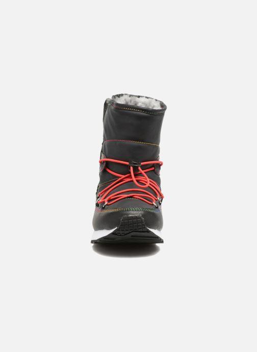 Chaussures de sport Skechers Retrospect Winter Daze Noir vue portées chaussures