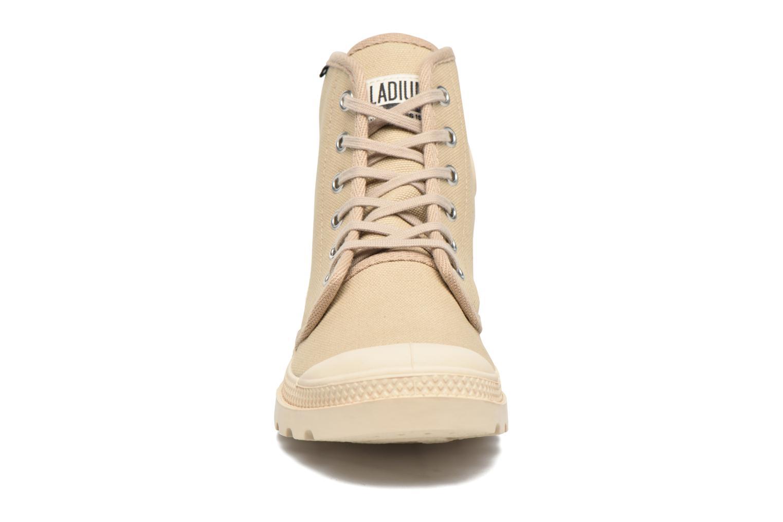 Baskets Palladium Pampa Hi Orig U F Beige vue portées chaussures