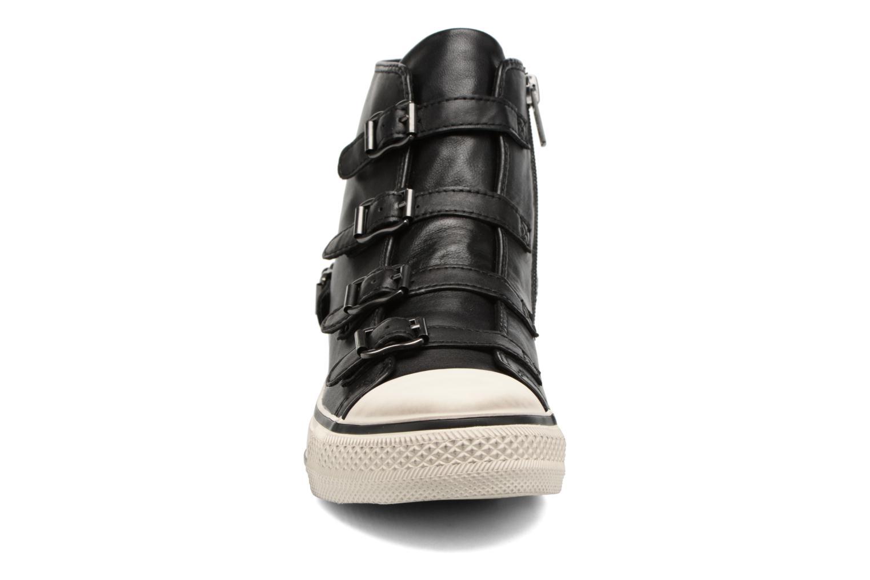 Baskets Ash Virgin New Noir vue portées chaussures