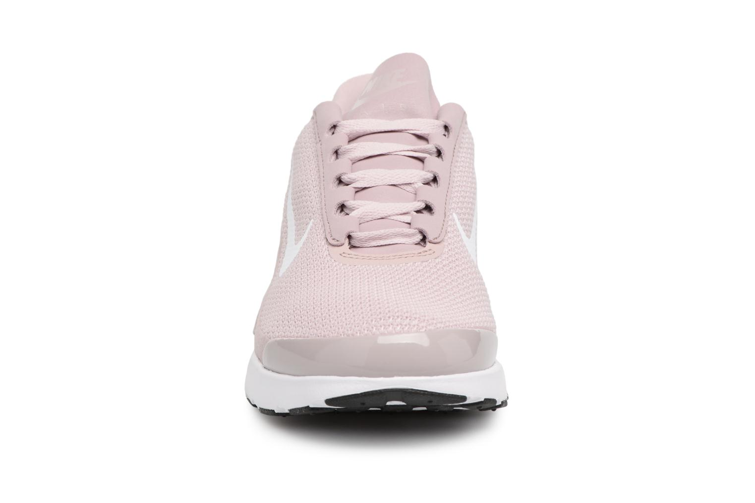 Baskets Nike Wmns Nike Air Max Jewell Rose vue portées chaussures