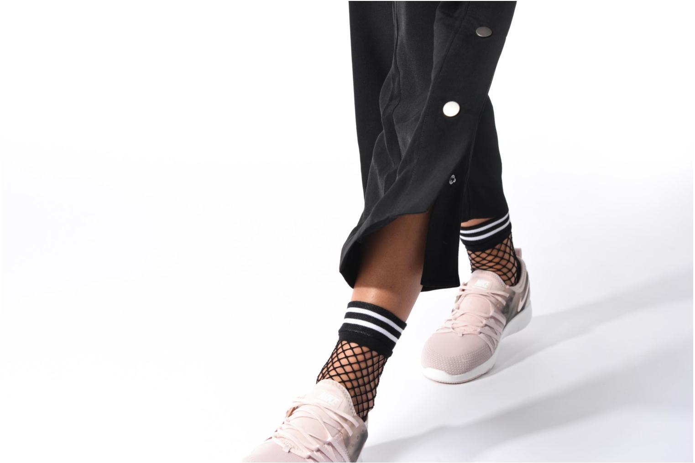 Chaussures de sport Nike Wmns Nike Free Tr 7 Amp Rose vue bas / vue portée sac