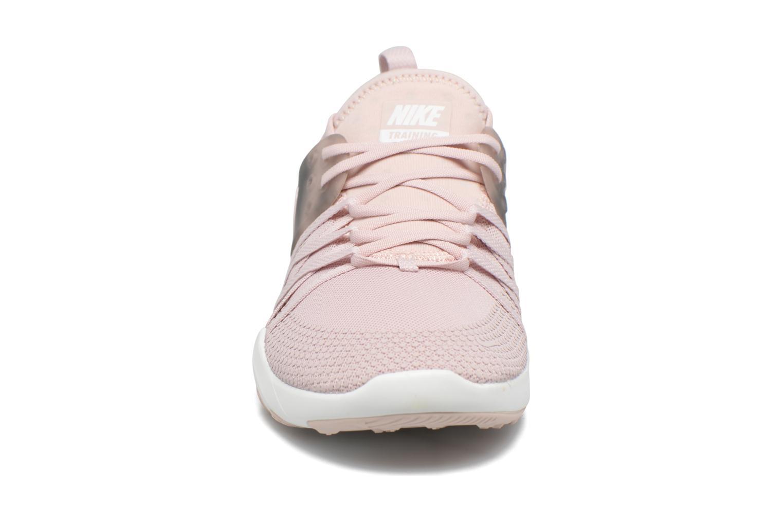 Chaussures de sport Nike Wmns Nike Free Tr 7 Amp Rose vue portées chaussures