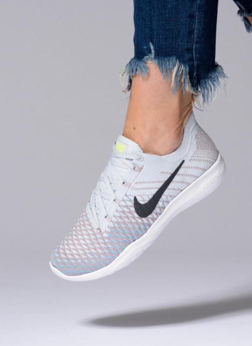 Sport shoes Nike Wmns Nike Free Tr Flyknit 2 Pink view from underneath / model view