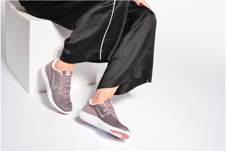 Chaussures de sport Nike W Nike Flex Trainer 7 Bionic Violet vue bas / vue portée sac