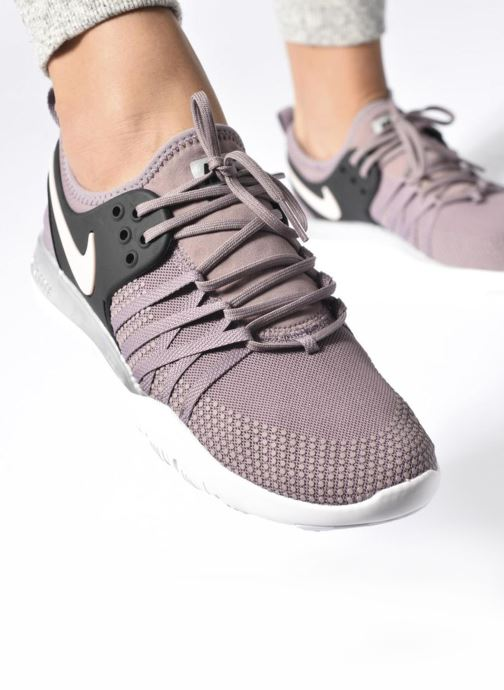 buy cheap 00236 e716b Sport shoes Nike Wmns Nike Free Tr 7 Bionic Black view from underneath /  model view