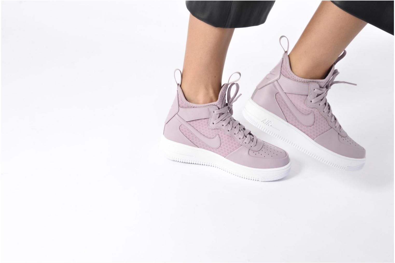 Sneaker Nike W Air Force 1 Ultraforce Mid lila ansicht von unten / tasche getragen