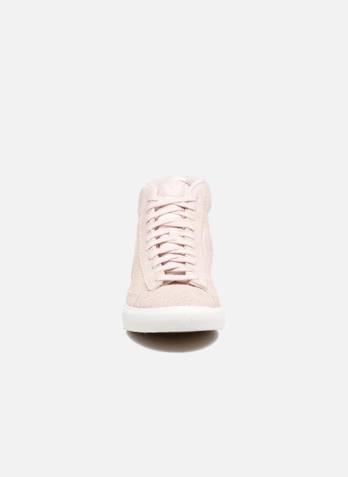 Baskets Nike Blazer Mid AH17 Beige vue portées chaussures