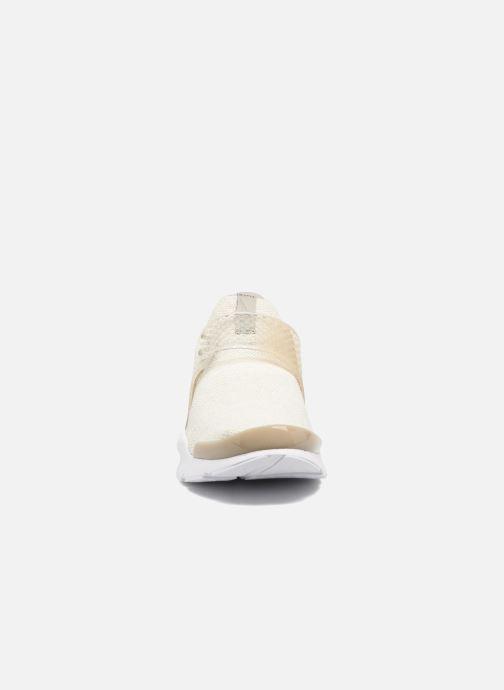 Baskets Nike Nike Sock Dart Se Beige vue portées chaussures