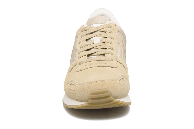 Baskets Nike Nike Air Vrtx Ltr Beige vue portées chaussures