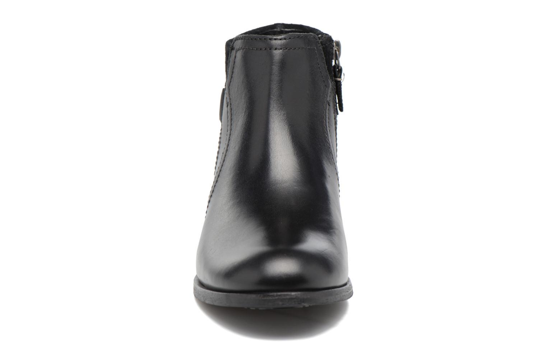 Bottines et boots Clarks Maypearl Lilac Noir vue portées chaussures