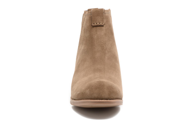 Bottines et boots Clarks Maypearl Daisy Marron vue portées chaussures