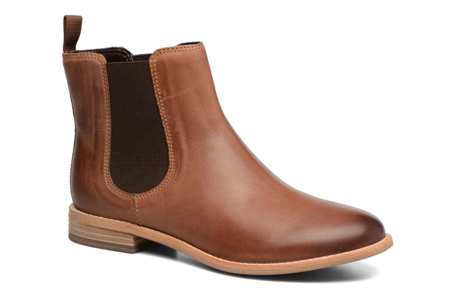 Ankle boots Clarks Maypearl Nala Brown detailed view/ Pair view