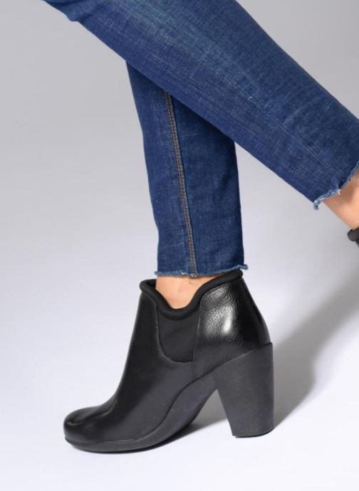 Ankle boots Clarks Adya Bella Black view from underneath / model view