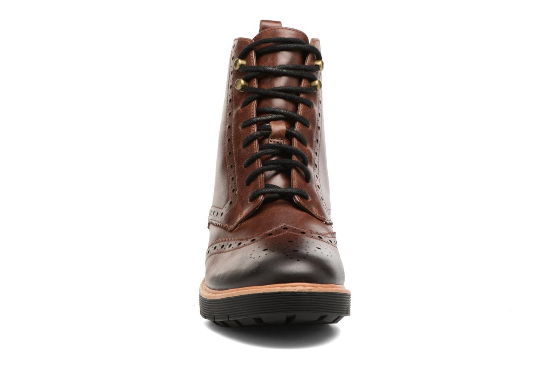 Boots en enkellaarsjes Clarks Witcombe Flo Bruin model