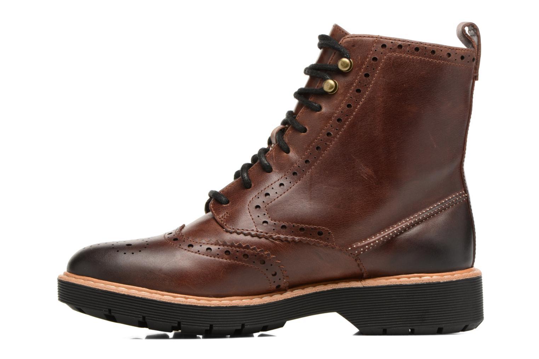 Boots en enkellaarsjes Clarks Witcombe Flo Bruin voorkant