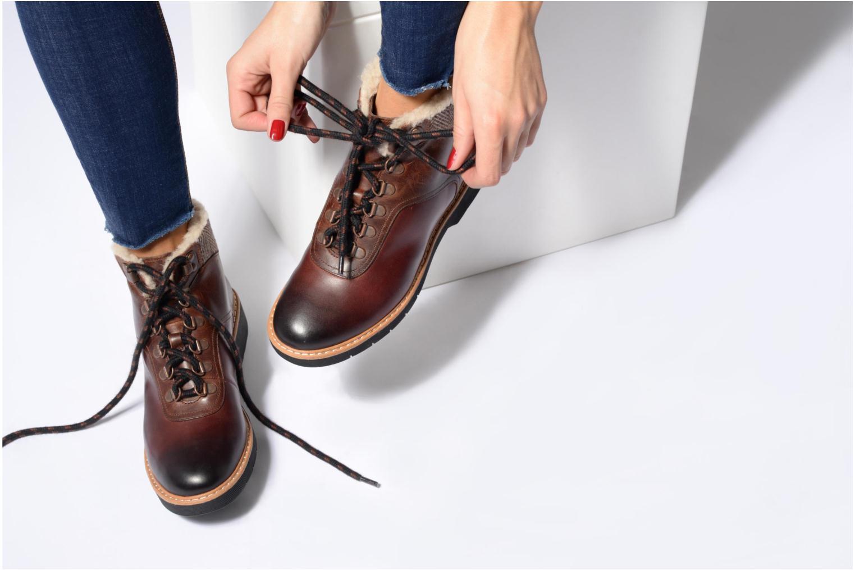 Bottines et boots Clarks Witcombe Rock Marron vue bas / vue portée sac