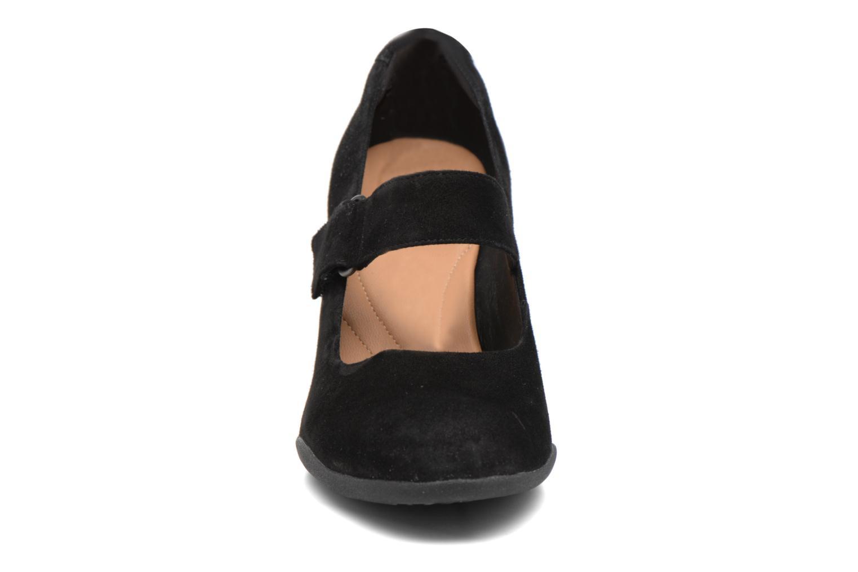 Zapatos de tacón Clarks Adya Clara Negro vista del modelo