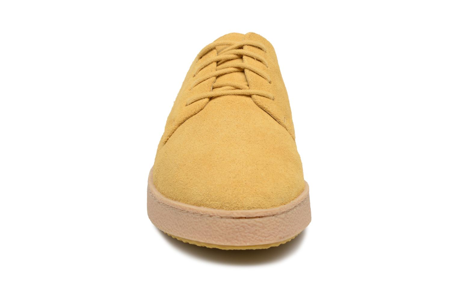 Lace-up shoes Clarks Lillia Lola Yellow model view