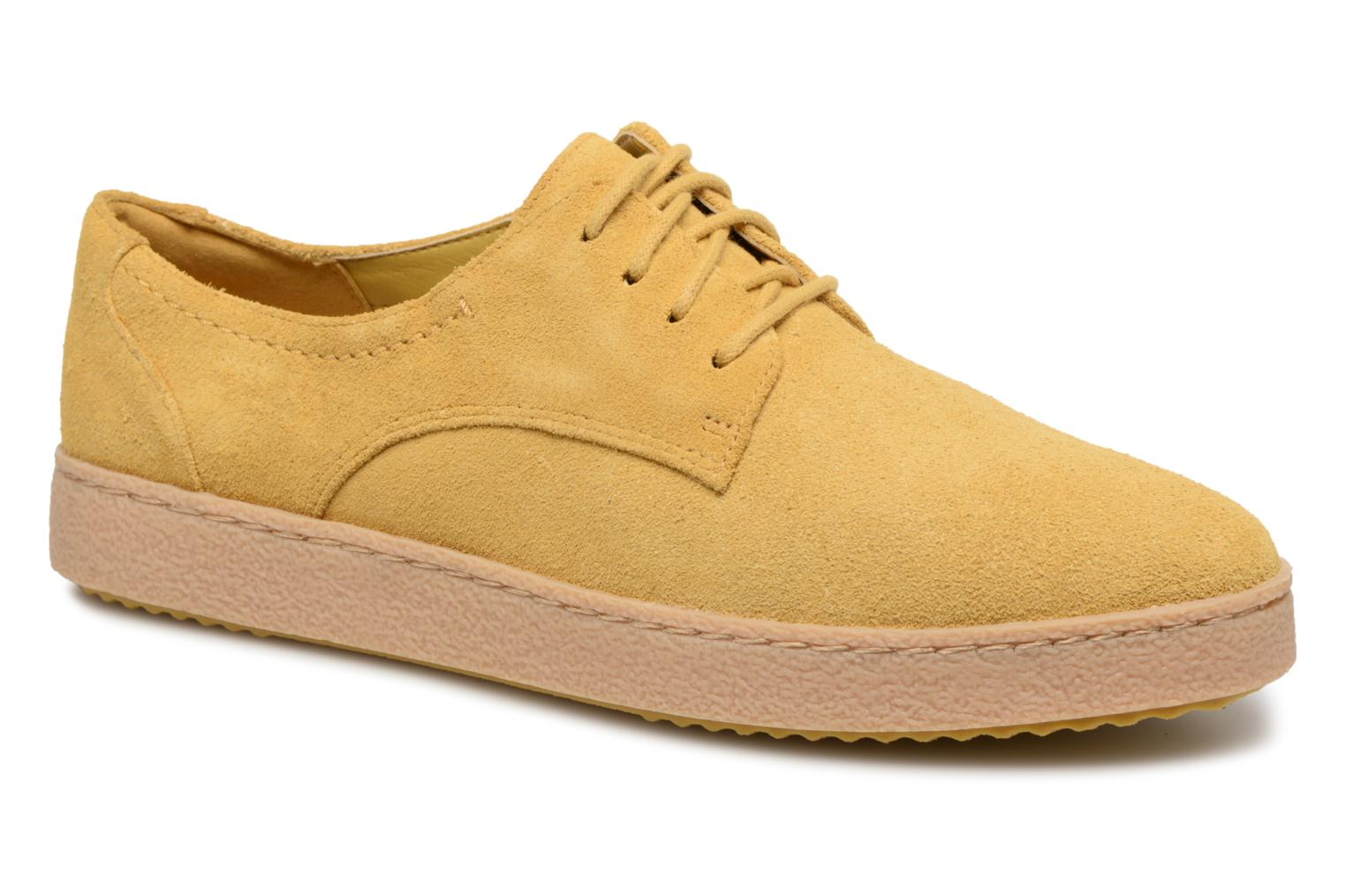 Lace-up shoes Clarks Lillia Lola Yellow detailed view/ Pair view