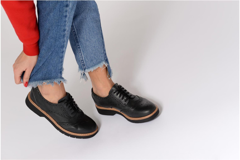 Chaussures à lacets Clarks Witcombe Echo Noir vue bas / vue portée sac