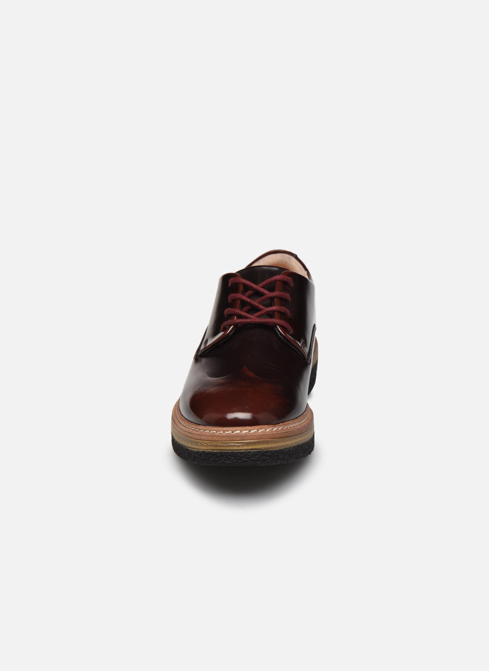 Chaussures à lacets Clarks Zante Zara Bordeaux vue portées chaussures