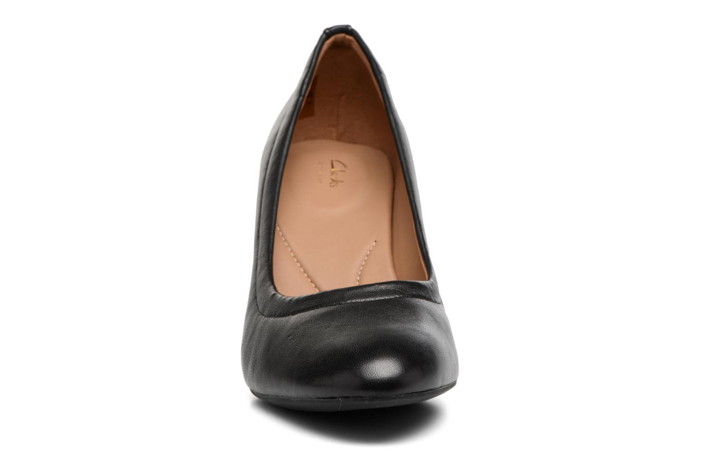 Escarpins Clarks Chryssa Ari Noir vue portées chaussures