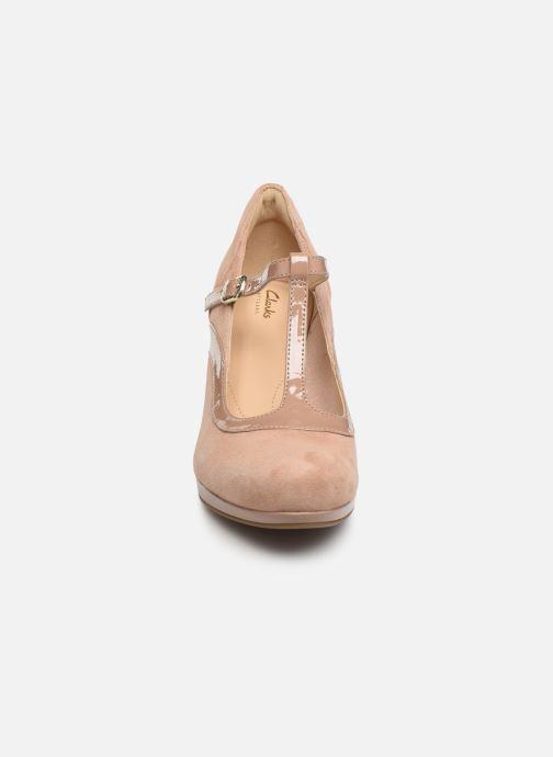 Escarpins Clarks Chorus Pitch Beige vue portées chaussures