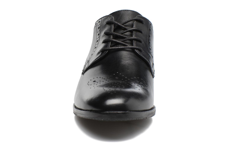 Chaussures à lacets Clarks Netley Rose Noir vue portées chaussures
