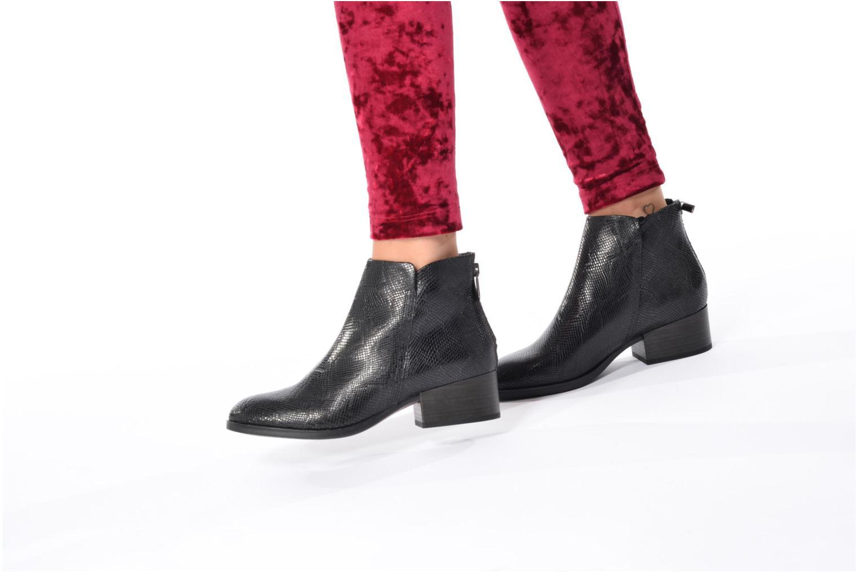 Bottines et boots Clarks Elvina Down Noir vue bas / vue portée sac