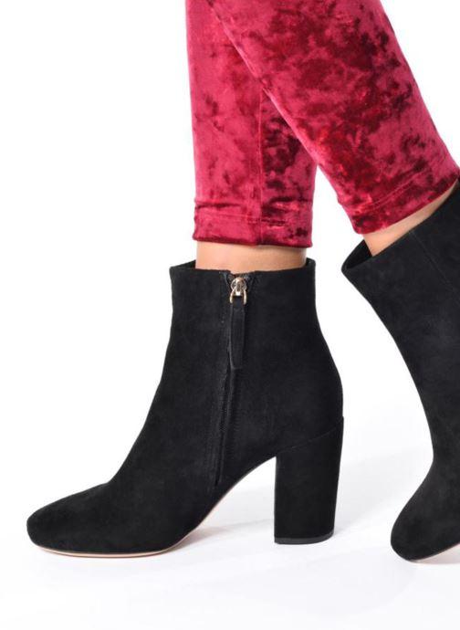 e5b5d4890b399e Stiefeletten   Boots Clarks Amabel Rio schwarz ansicht von unten   tasche  getragen