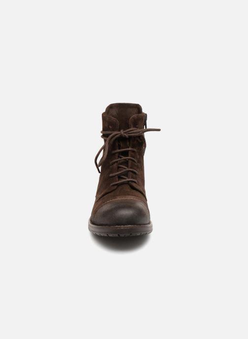 Bottines et boots Clarks Adelia Stone Marron vue portées chaussures